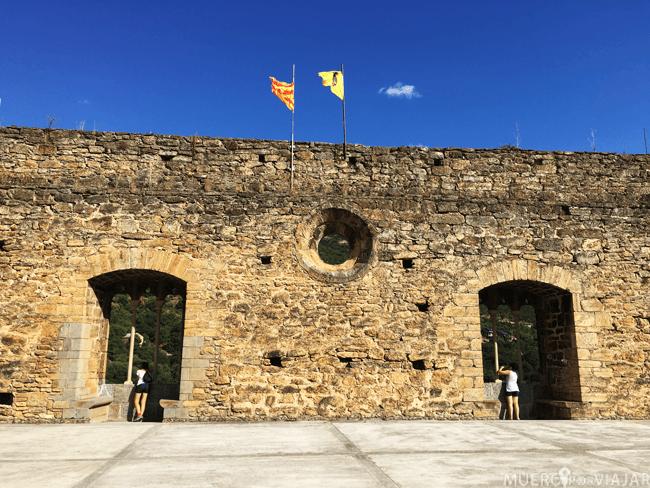 De visita por Sort en las ruinas del castillo