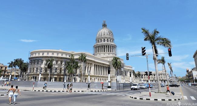 El Capitolio de la Habana es muy similar al de Washington, pero este es 10 metros más alto