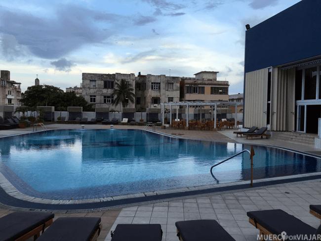 Piscina del hotel Tryp Habana Libre
