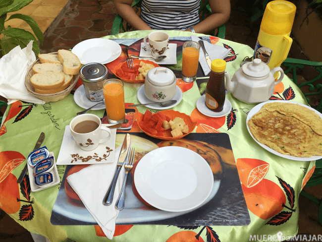 Desayuno en una casa particular en Trinidad (Cuba)