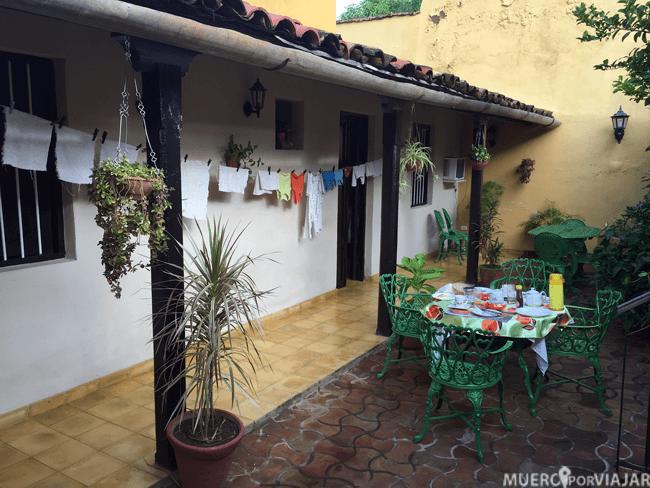 La terraza de nuestra casa particular en Trinidad (Cuba)