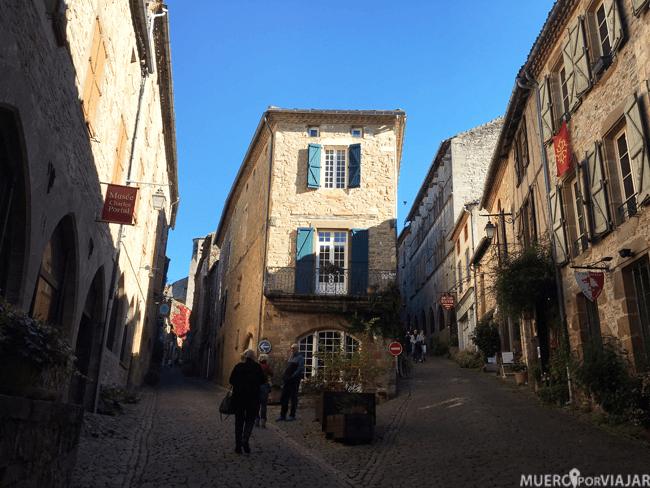 La calle de los artistas de Cordes-Sur-Ciel