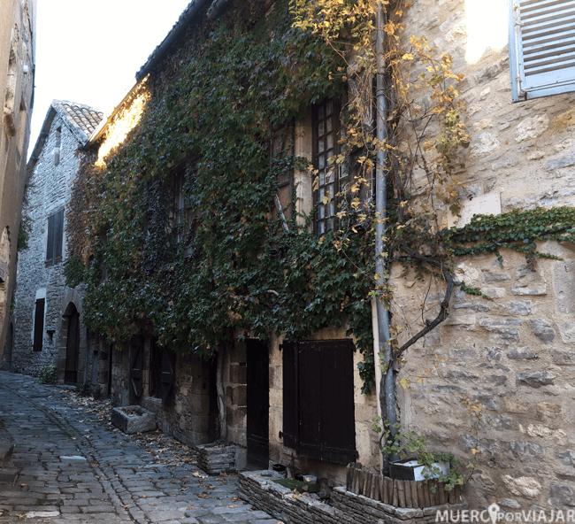 Paseando por las bonitas calles de Cordes-Sur-Ciel