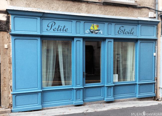 Bonitas fachadas en Saint-Antonin-Noble-Val (Francia)