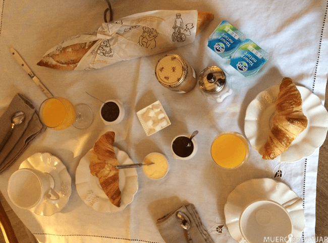 Desayuno del B&B Au Troubadour (Saint-Antonin-Noble-Val, Francia)