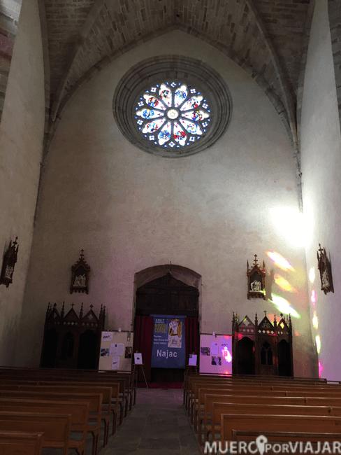 La iglesia algo austera de Najac
