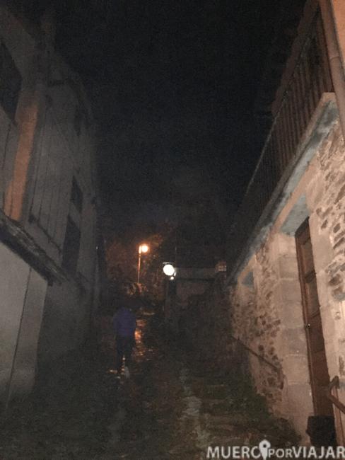 Paseo nocturno y de miedo por Conques