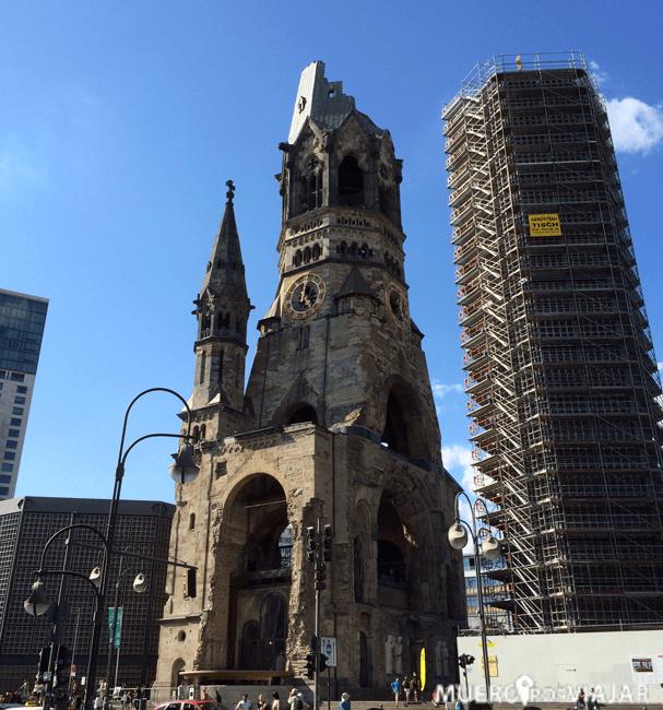 La Iglesia Memorial Kaiser Wilhelm se mantiene tal y como quedó después de los bombardeos