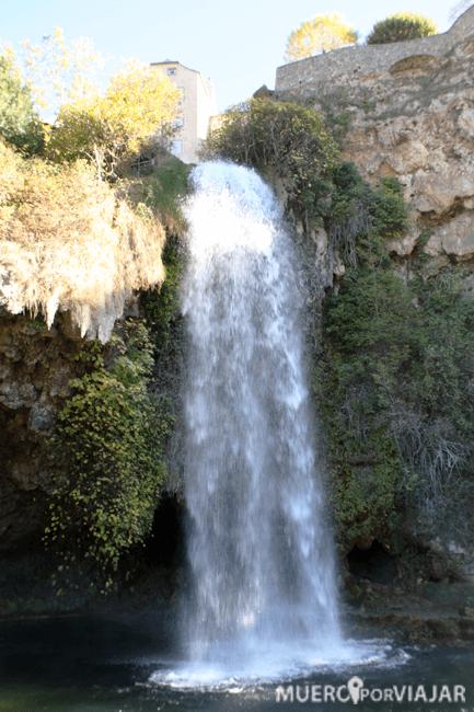 Salto de agua en Salles-la-Source