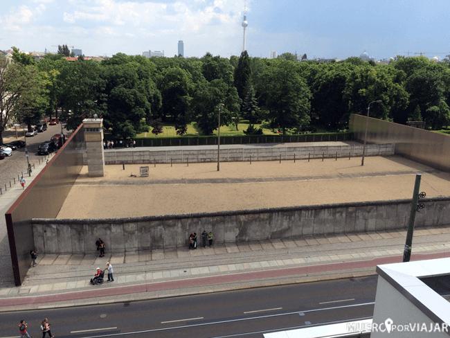 El muero de Berlín con su espacio interior donde estaba el verdadero peligro