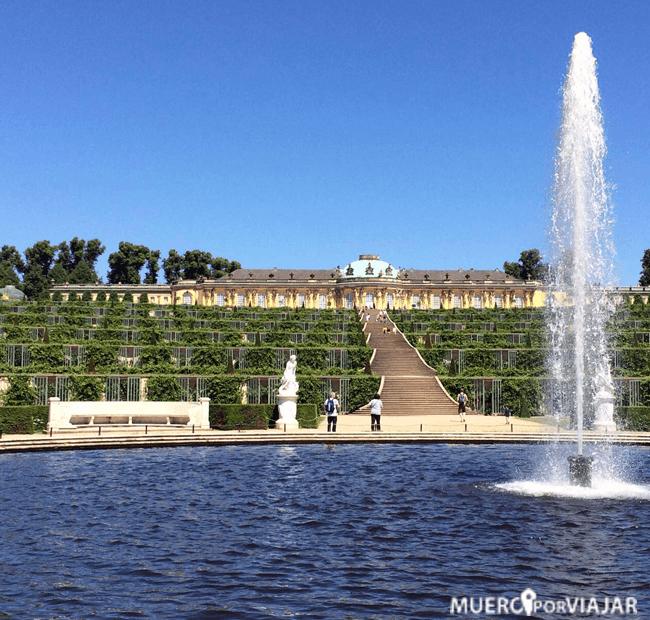 Los jardines de Palacio Sanssouci son muy famosos y concurridos