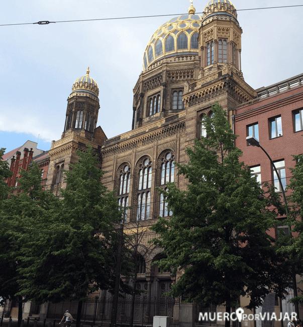 Fachada de La Nueva Sinagoga en Berlín