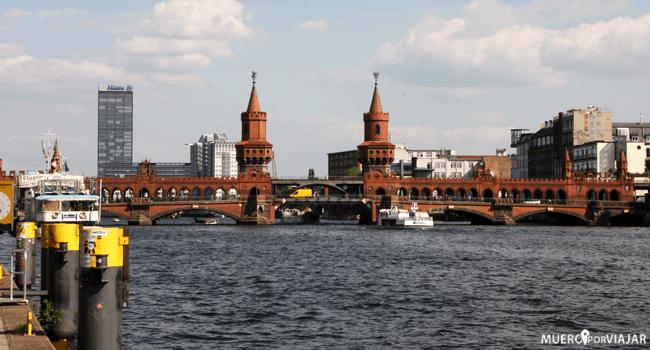 Puente de Oberbaumbrücke - Berlín