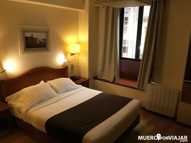 Nuestra habitación en el hotel Da Bolsa en Oporto