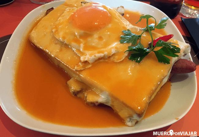 El plato famoso de Oporto, la franceshinha