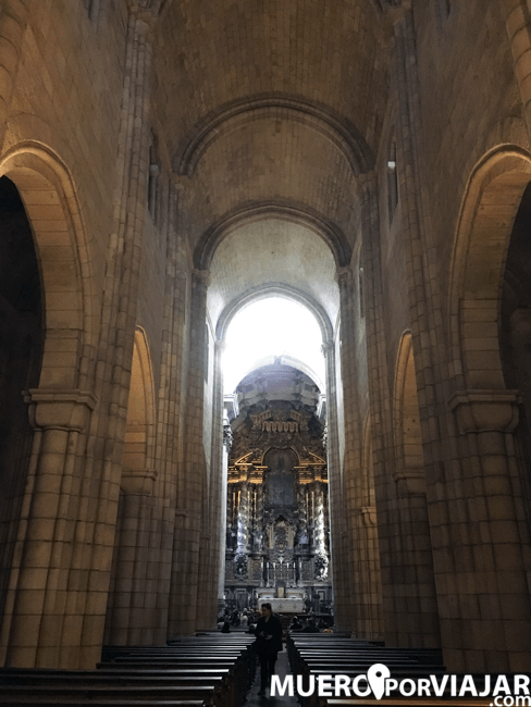 El imponente interior de la Catedral de Oporto