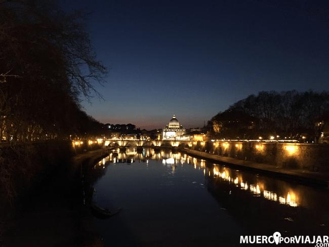 El Vaticano nocturno