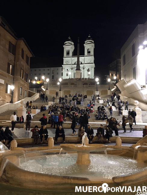 La bonita Piazza di Spagna de Romade noche