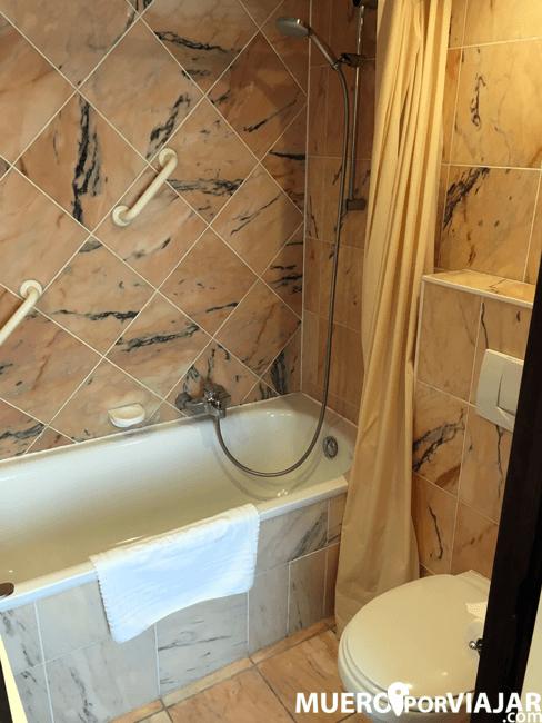 El baño del hotel Bedford Hotel & Congress Centre en Bruselas