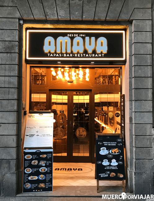 Entrada al restaurante Amaya en las Ramblas de Barcelona
