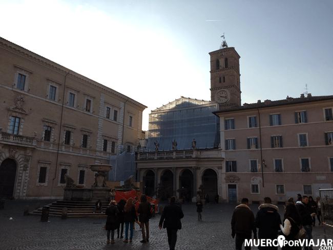 La Piazza di Santa Maria in Trastevere