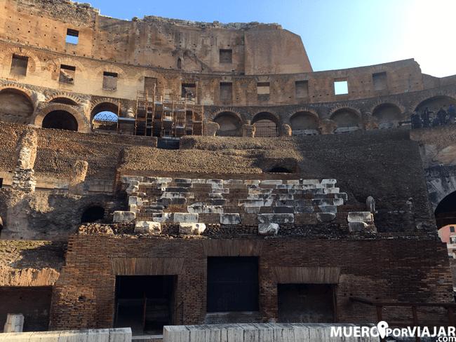 La zona de los asientos de los senadores de Roma en el Coliseo
