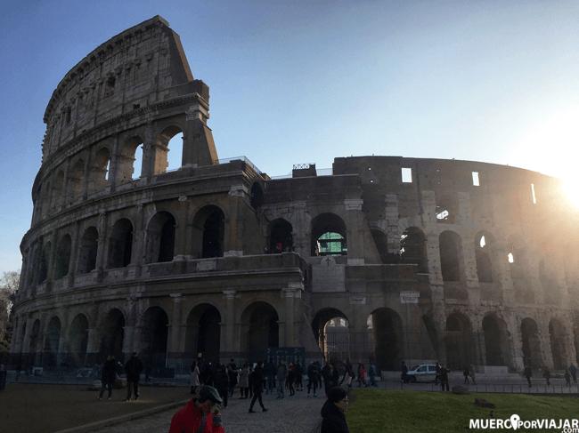 La impresionante figura del Coliseo es un referente de Roma y de Italia