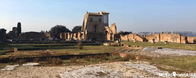 El foro romano, ahora es más bien una descampado en el que se organizan eventos