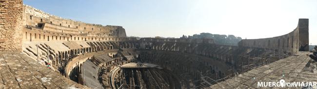 Panorámica del interior del Coliseo en Roma