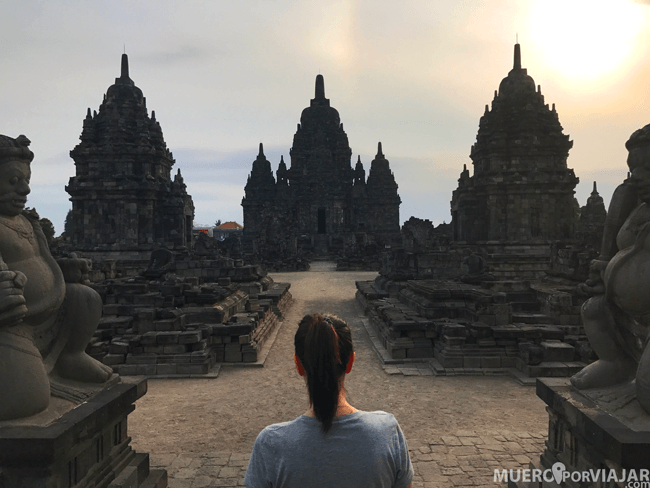 El atardecer en Prambanan es impresionante