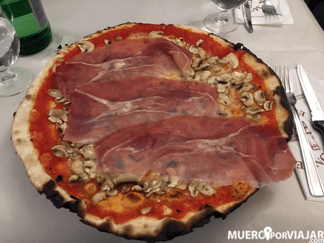 La pizzeria La Montecarlo no nos acabó de gustar