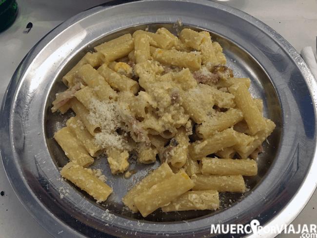 Plato de pasta en la Montecarlo