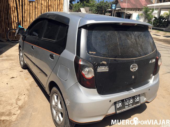 Nuestro coche con chofer en Lombok