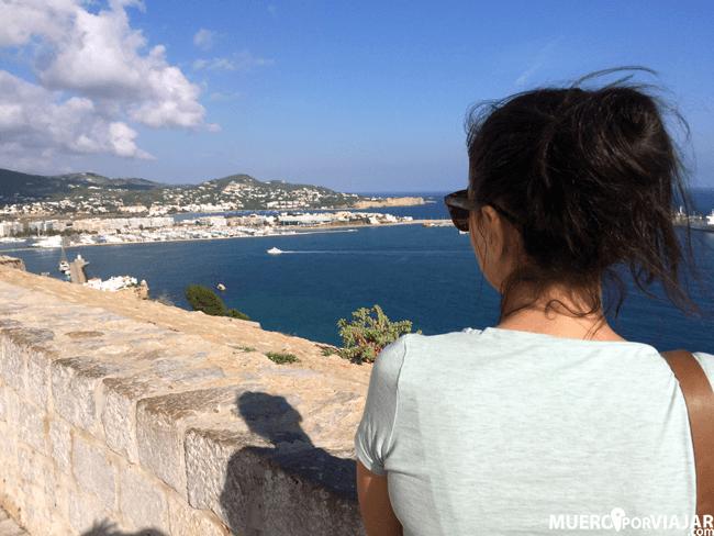 Desde la fortaleza se pueden contemplar unas vistas magnificas de la isla
