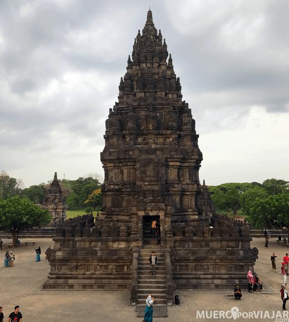 Los preciosos templos de Prambanan en Yogyakarta
