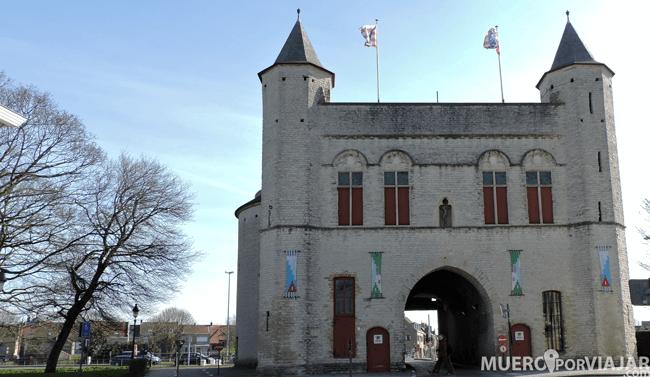 Torre Kruispoot de Brujas (Bélgica)