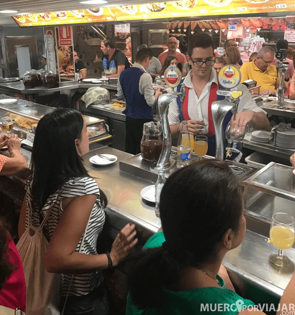 El hecho de pedir en la barra ya es de por si una actividad cultural en Madrid