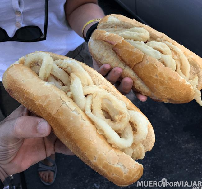 Aquí están los auténticos y genuinos bocadillos de calamares de Madrid