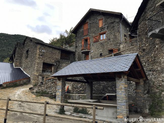 El pueblo de Arestui es muy bonito y tranquilo, con las típicas calles estrechas características de los pueblos de montaña