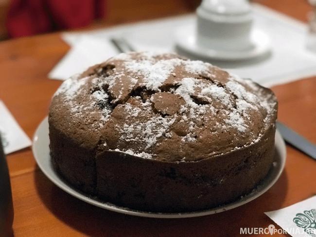 Nuestro desayuno, con un pastel casero, fue una delicia