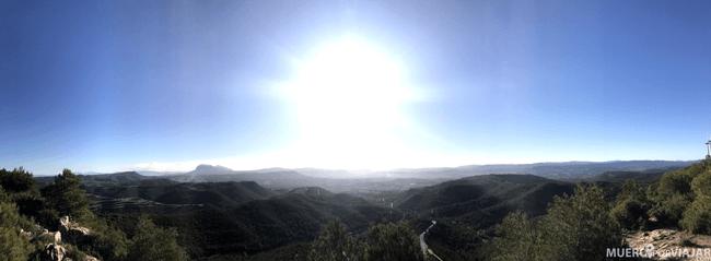 Las preciosas vistas desde el Parque Eólico donde se puede ver incluso la montaña de Montserrat
