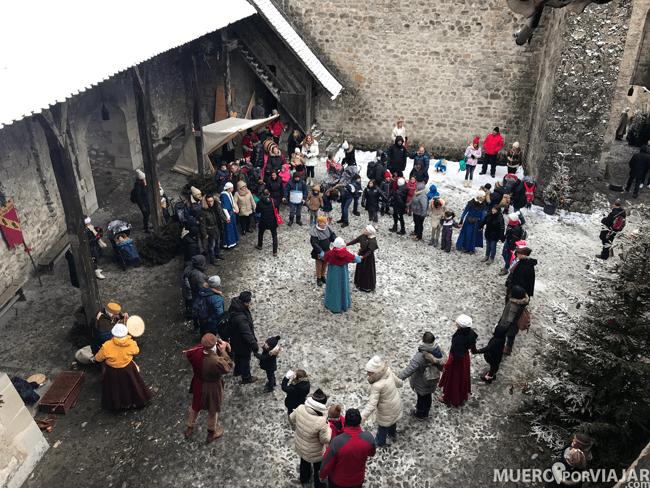 Bailes en el interior del Castillo de Chillon