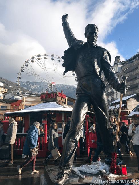 Estatua en homenaje a Freddie Mercury en Montreux
