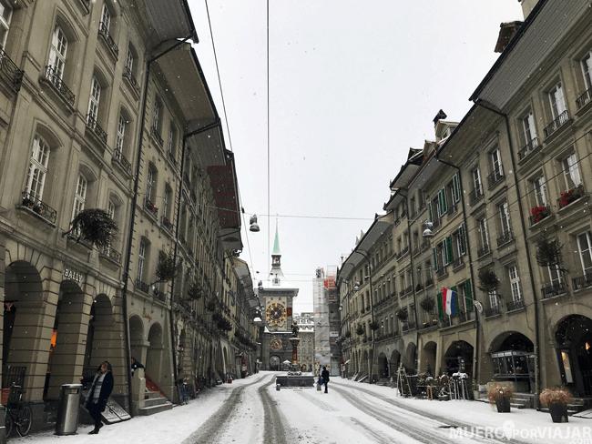 Paseando por Berna donde nos cayó una pequeña nevada