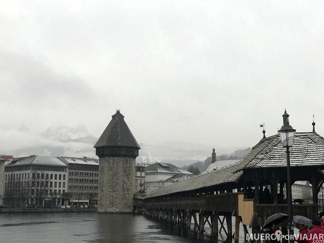 El famoso puente de Lucerna