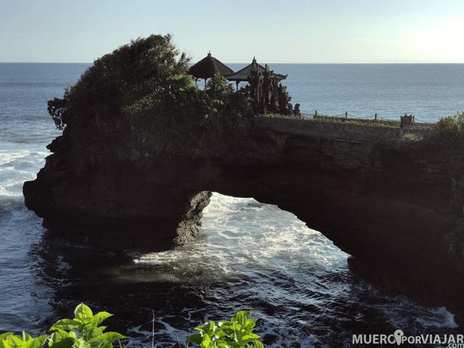 El precioso templo hinduista Pura Batu Bolong en Bali