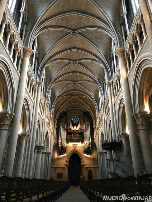 La preciosa Catedral de Notre-Dame en Lousanne