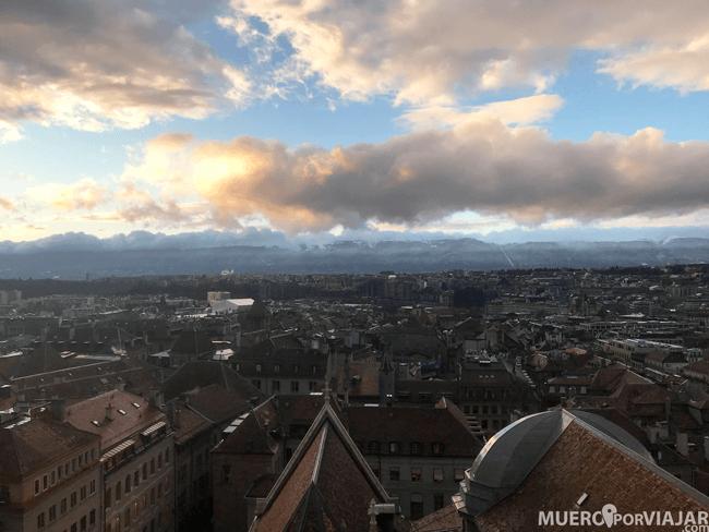 Las preciosas vistas desde la torre de la Catedral de Lausanne