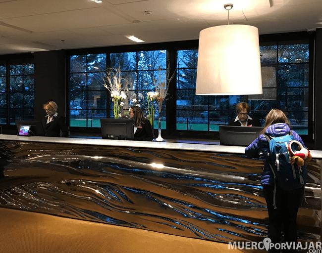 Recepción del Crowne Plaza Geneva