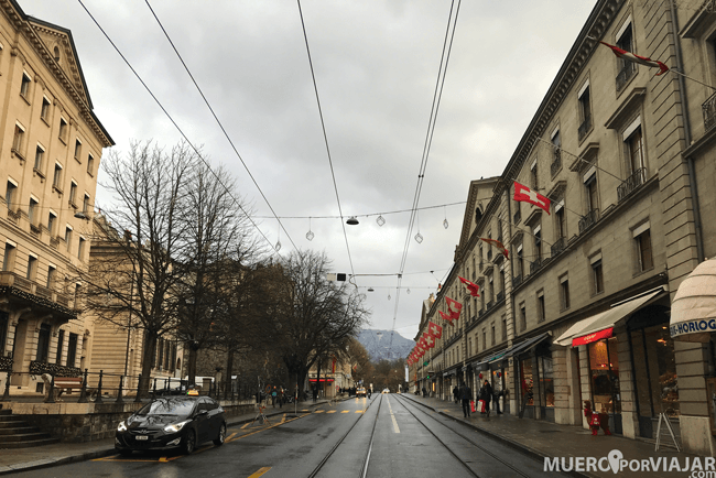 El tranvía es uno de los diferentes transportes públicos de Ginebra